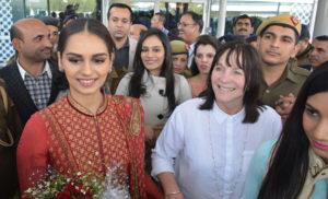 विश्व सुंदरी मानुषी छिल्लर का हरियाणा के शिक्षा मंत्री ने किया स्वागत