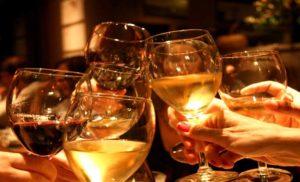 खुशियों का पैमाना बनती जा रही शराब