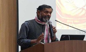 स्वामी विवेकानंद को सिर्फ़ श्रद्धांजलि नहीं, कार्यान्जली भी दीजिये: योगेंद्र यादव