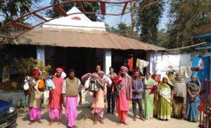 भगवान शिव के तिलकोत्सव में शामिल होने मिथिला से रवाना हुआ पैदल कांवर यात्रियों का जत्था