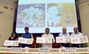 डाक बचत खातों की संख्या 25 करोड़ करने के प्रयास करने चाहिए : रविशंकर प्रसाद