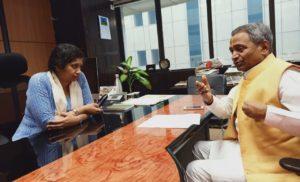 विजय भगत मिले निगम आयुक्त से, क्षेत्र की समस्याओं की बात रखी