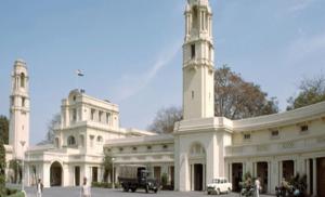 दिल्ली में 69 नव निर्वाचित विधायकों ने विधानसभा सदस्य के तौर पर शपथ ली