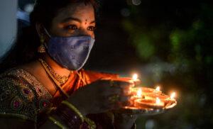 Diwali in Corona, त्योहारी रौनक में सकारात्मकता को सींचें